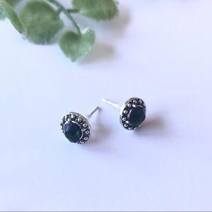 Jewelry - Green stone stud earrings alloy metal